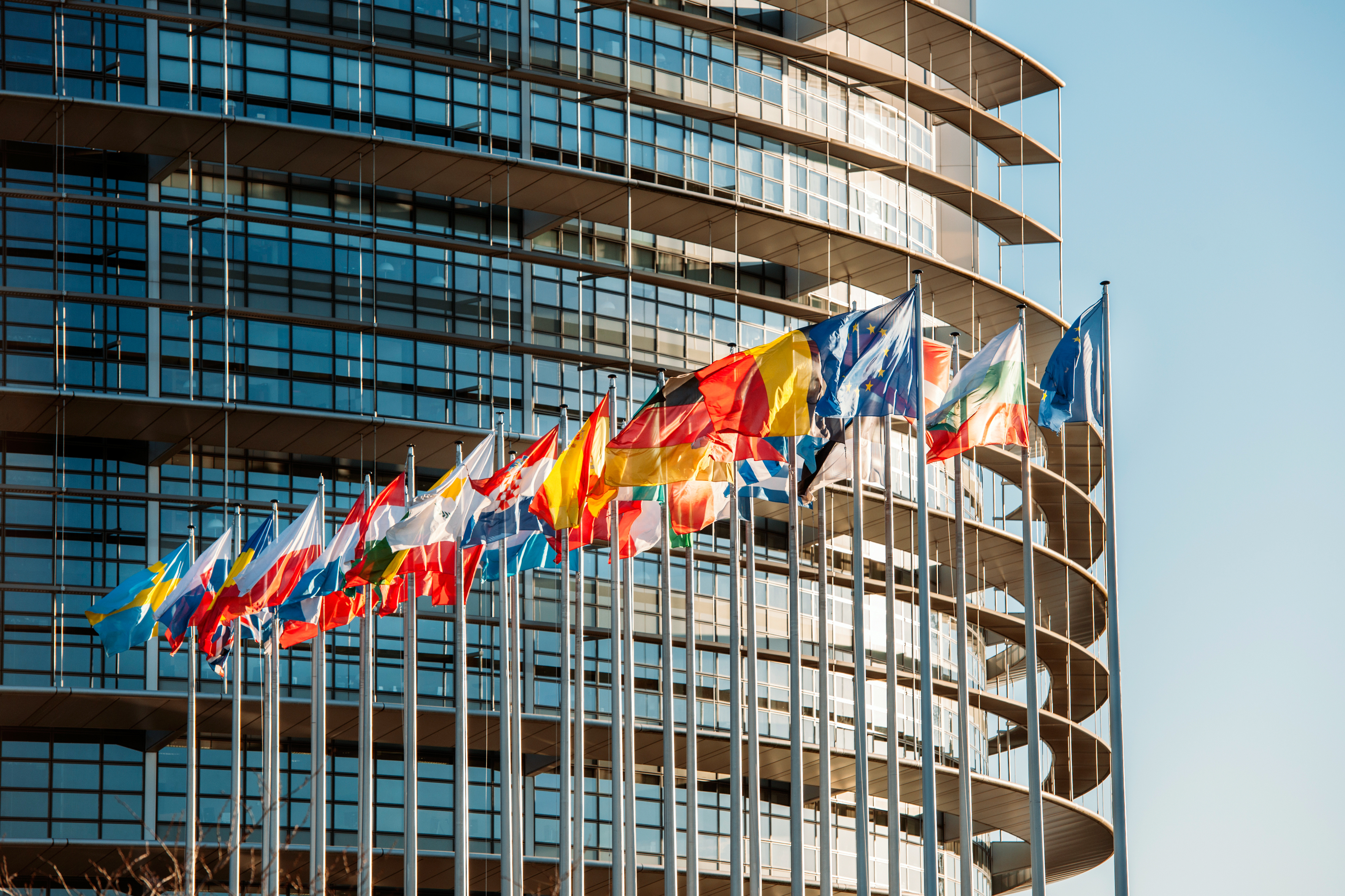 Newsletterul ETAF din 19 noiembrie – Proiectul de raport al Comisiei TAX3, anunțul Angelei Merkel cu privire la impozitarea economiei digitale și decizia Tribunalului UE cu privire la regimul fiscal din Spania