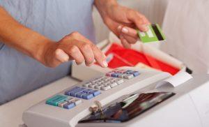 """Proiect normativ: contravențiile pentru nerespectarea termenelor privind dotarea cu aparate de marcat electronice de către operatorii economici, scoase de sub incidența """"Legii prevenirii"""""""