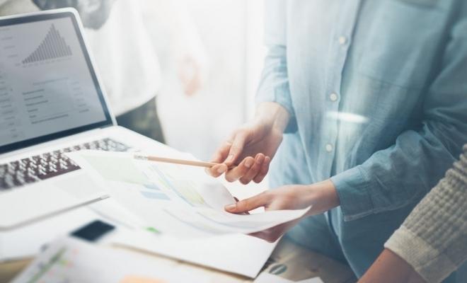 A fost promulgată Legea privind modificarea și completarea unor acte normative; sunt prevăzute modificări referitoare la înmatricularea unui comerciant la registrul comerțului și depunerea declarației privind beneficiarul real